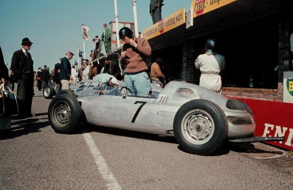 Dan Gurney(USA) prepares to practice in his Porsche 787 Dutch GP, Zandvoort, 22 May 1961