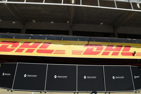 Renault Sport F1 Team garage screens