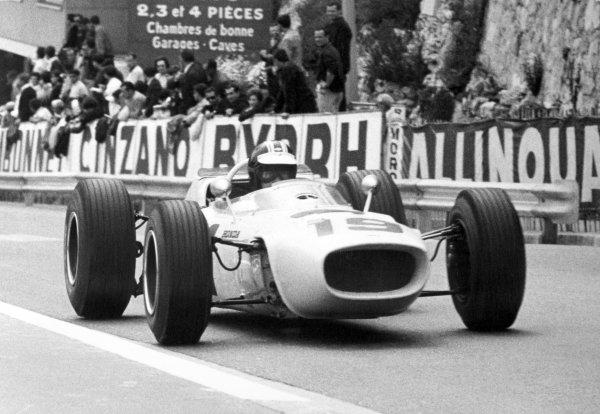 1965 Monaco Grand Prix.Monte Carlo, Monaco. 28-30 May 1965.Ronnie Bucknum, Honda RA272, retired, action.World Copyright - LAT PhotographicRef: B/W Print