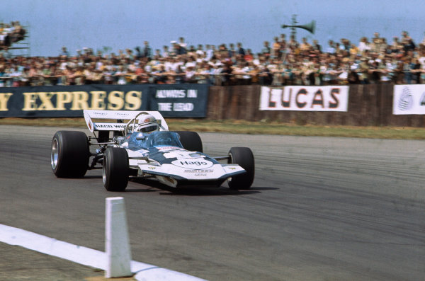 Silverstone, England. 15th - 17th July 1971.Derek Bell (Surtees TS9 Ford), retired, action. World Copyright: LAT Photographic.Ref:  71GB