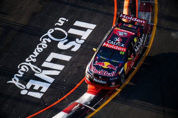 2017 Supercars Championship Round 12.  Gold Coast 600, Surfers Paradise, Queensland, Australia. Friday 20th October to Sunday 22nd October 2017. Jamie Whincup, Triple Eight Race Engineering Holden.  World Copyright: Daniel Kalisz/LAT Images Ref: Digital Image 201017_VASCR12_DKIMG_1405.jpg