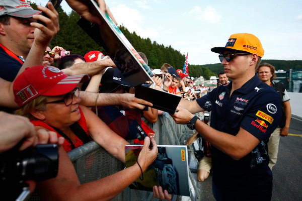 Spa Francorchamps, Belgium.  Thursday 24 August 2017. Max Verstappen, Red Bull Racing, signs autographs for fans. World Copyright: Andy Hone/LAT Images  ref: Digital Image _ONZ8465
