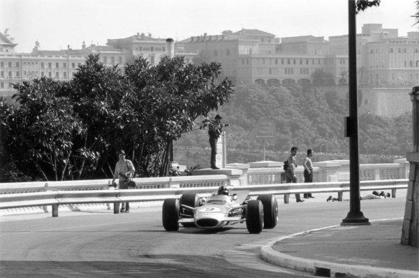 1968 Monaco Grand Prix.Monte Carlo, Monaco. 26 May 1968.Graham Hill, Lotus 49B-Ford, 1st position, action.World Copyright: LAT PhotographicRef: 2003 #11A