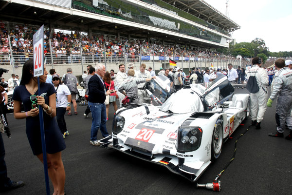 2014 World Endurance Championship, Interlagos, Brazil. 28th - 30th November 2014. Timo Bernhard / Mark Webber / Brendon Hartley Porsche AG Porsche 919 Hybrid. World Copyright: Ebrey / LAT Photographic.