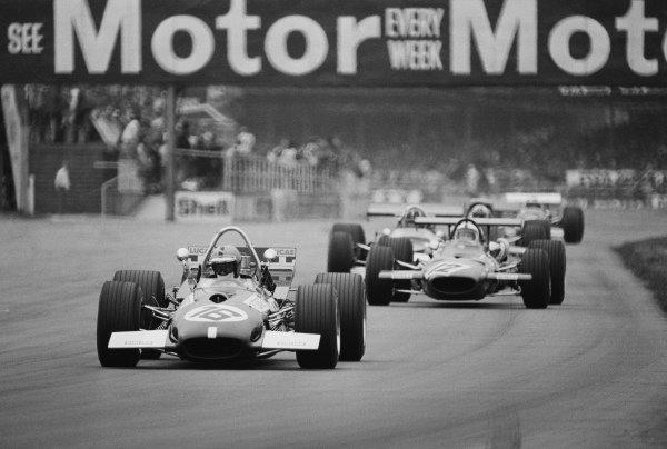 Piers Courage, Brabham BT26A Ford, leads Pedro Rodríguez, Ferrari 312.