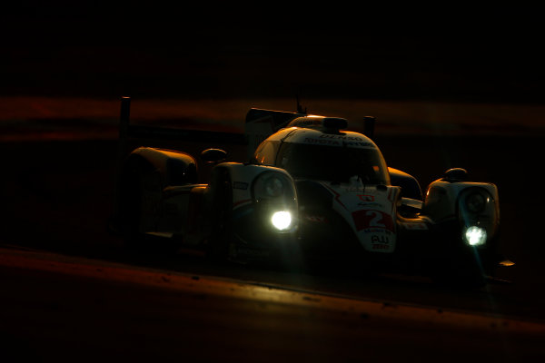 2015 FIA World Endurance Championship Bahrain 6-Hours Bahrain International Circuit, Bahrain Saturday 21 November 2015. Alexander Wurz, St?phane Sarrazin, Mike Conway (#2 LMP1 Toyota Racing Toyota TS 040 Hybrid). World Copyright: Alastair Staley/LAT Photographic ref: Digital Image _79P1211
