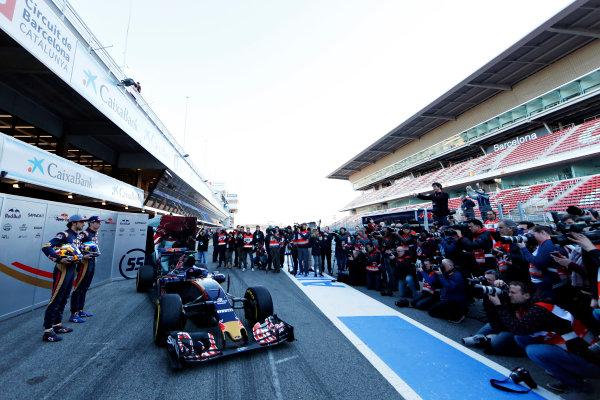 Circuit de Catalunya, Barcelona, Spain Tuesday 1 March 2016. Carlos Sainz Jr, Toro Rosso. Max Verstappen, Toro Rosso. unveiling the STR-11 to the press World Copyright: Zak Mauger/LAT Photographic ref: Digital Image _L0U1985