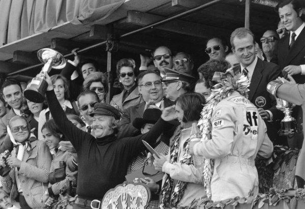 1973 Spanish Grand Prix.Montjuich Park, Barcelona, Spain. 29 April 1973.Colin Chapman, Emerson Fittipaldi and Francois Cevert on the podium. Ref-5278 #25.World Copyright - LAT Photographic