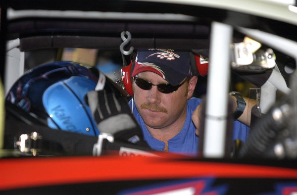 2002 NASCAR,New Hampshire Intl. Speedway,Sept 13-15, 2002 NASCAR, Loudon,NH . USA -James Ince confers with Johnny Benson,Copyright-Robt LeSieur2002LAT Photographic