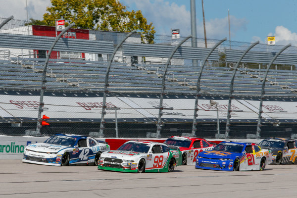 #42: Ross Chastain, Chip Ganassi Racing, Chevrolet Camaro DC Solar, #98: Kevin Harvick, Biagi-DenBeste Racing, Ford Mustang Hunt Brothers Pizza Throwback