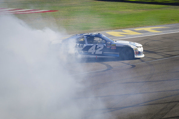 #42: Ross Chastain, Chip Ganassi Racing, Chevrolet Camaro DC Solar celebrates with a burnout