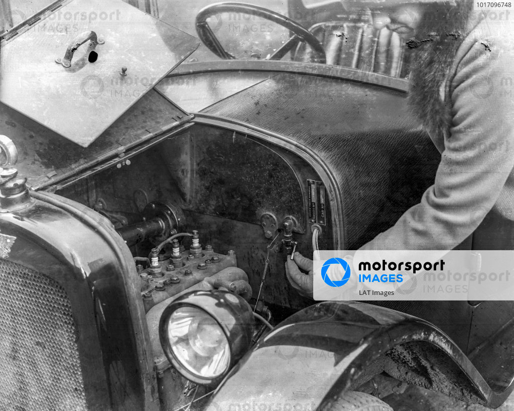 Austin Seven Saloon engine bay.