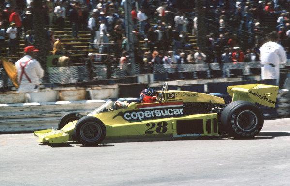 1977 United States Grand Prix West.Long Beach, California, USA.1-3 April 1977.Emerson Fittipaldi (Copersucar FD04 Ford) 5th position.Ref-77 LB 11.World Copyright - LAT Photographic