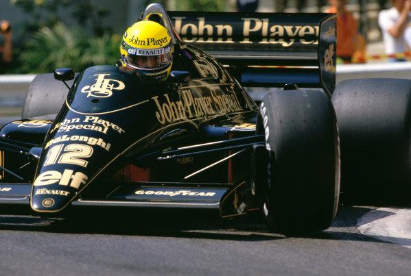 1986 Monaco Grand Prix. Monte Carlo, Monaco. 8-11 May 1986. Ayrton Senna (Lotus 98T Renault). Action.Ref-86 MON 14. 60mb Scan.World Copyright - LAT Photographic