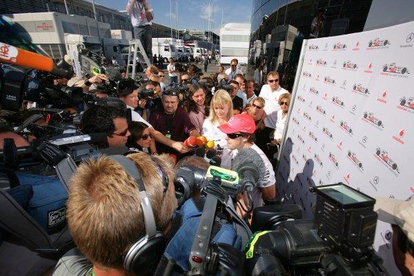 2007 Italian Grand Prix - Friday PracticeAutodromo di Monza, Monza, Italy.7th September 2007.A media scrum surrounds Fernando Alonso, McLaren MP4-22 Mercedes. Portrait. Media.World Copyright: Lorenzo Bellanca/LAT Photographicref: Digital Image ZD2J7193