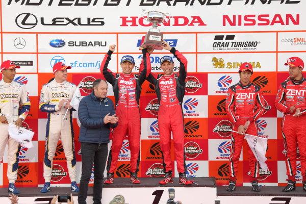 2017 Japanese Super GT Series. Motegi, Japan.  11th - 12th November 2017. Rd 8. GT500 Winner Tsugio Matsuda & Ronnie Quintarelli ( #23  MOTUL AUTECH GT-R ) 2nd position Ryo Hirakawa & Nick Cassidy ( #37  KeePer TOM'S LC500 ) 3rd position Yuji Tachikawa & Hiroaki Ishiura ( #38 ZENT CERUMO LC500 ) podium portrait World Copyright: Yasushi Ishihara/LAT Images ref: Digital Image 2017_SGT_Rd8_005