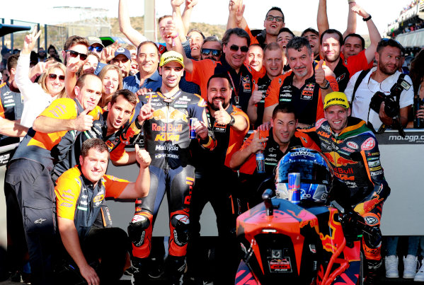2017 Moto2 Championship - Round 18 Valencia, Spain  Sunday 12 November 2017 Miguel Oliveira, Red Bull KTM Ajo, Brad Binder, Red Bull KTM Ajo in Parc Ferme  World Copyright: Gold and Goose Photography/LAT Images  ref: Digital Image 706065