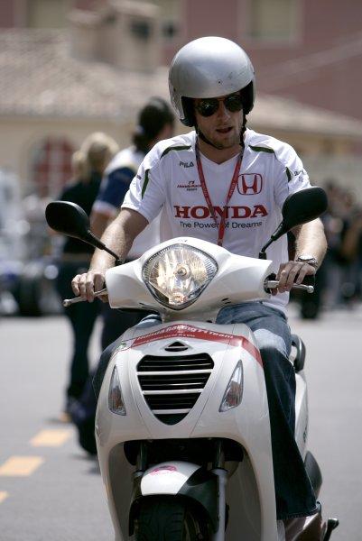 2008 Monaco Grand Prix - WednesdayMonte Carlo, Monaco.21st May 2008.Jenson Button, Honda RA108 arrives on a scooter. Portrait.World Copyright: Charles Coates/LAT Photographic.ref: Digital Image _K5Y8945