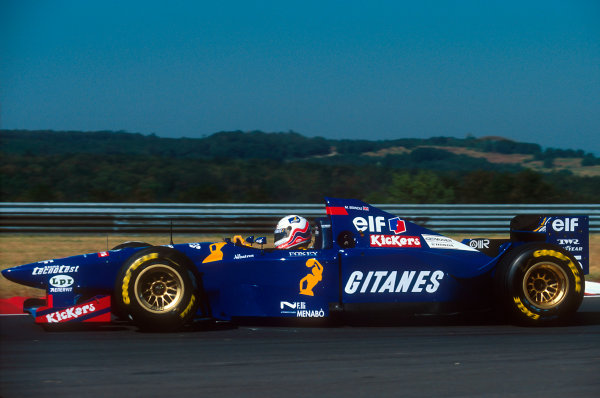 Hungaroring, Hungary.11-13 August 1995.Martin Brundle (Ligier JS41 Mugen-Honda). He exited the race with an engine problem.Ref-95 HUN 12.World Copyright - LAT Photographic