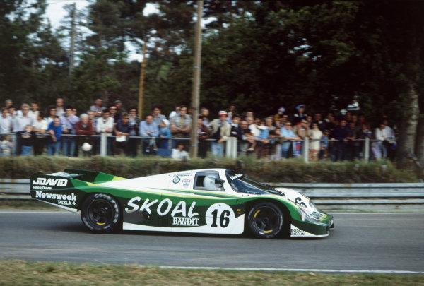 Le Mans, France. 18-19 June 1983. John Fitzpatrick/Guy Edwards/Rupert Keegan (Porsche 956), 5th position, action.  World Copyright: LAT Photographic. Ref:  83LM