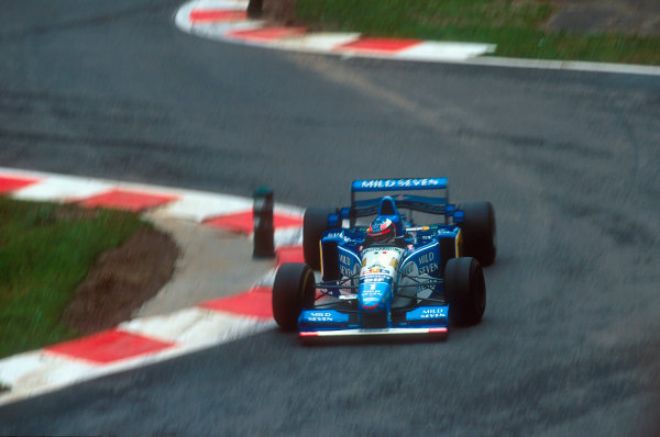 Spa-Francorchamps, Belgium.25-27 August 1995.Michael Schumacher (Benetton B195 Renault) 1st position.Ref-95 BEL 01.World Copyright - LAT Photographic