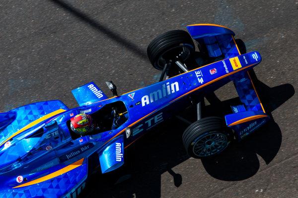 2015/2016 FIA Formula E Championship. Testing, Punta del Este, Uruguay. Sunday 20 December 2015. Robin Frijns (NLD), Andretti - Spark SRT_01E. Photo: Zak Mauger/LAT/Formula E ref: Digital Image _L0U9446