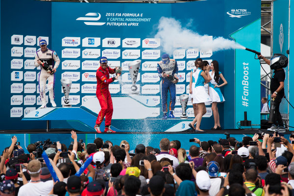 2015/2016 FIA Formula E Championship. Putrajaya ePrix, Putrajaya, Malaysia. Saturday 7 November 2015. Podium Lucas Di Grassi (BRA), ABT Audi Sport FE01, Sam Bird (GBR), DS Virgin Racing DSV-01 & Robin Frijns (NLD), Andretti - Spark SRT_01E on the podium Photo: Sam Bloxham/FIA Formula E/LAT ref: Digital Image _SBL1329