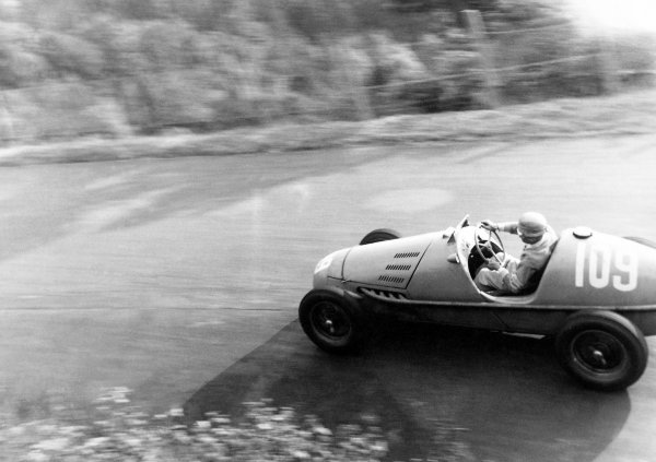 1952 German Grand Prix Nurburgring, Germany. 3 August 1952 Maurice Trintignant (Gordini 16), retired World Copyright: LAT PhotographicRef: Autocar 15/8/1952 p1011