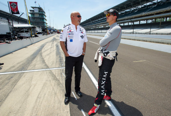 Verizon IndyCar Series Indianapolis 500 Practice Indianapolis Motor Speedway, Indianapolis, IN USA Monday 15 May 2017 Graham Rahal, Rahal Letterman Lanigan Racing Honda with father and team owner Bobby Rahal World Copyright: Geoffrey M. Miller LAT Images