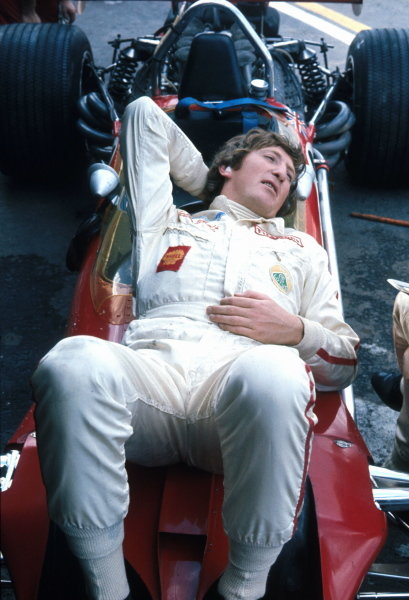 In the final Grand Prix of the 1960s Jochen Rindt (AUT) finds time to lay back and relax on his Lotus 49B. Mexican Grand Prix, Mexico City, 19 October 1969.
