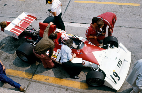 Nurburgring, Germany. 5 August 1973.Clay Regazzoni (B.R M. P160E), retired, in the pits, action. World Copyright: LAT Photographic.Ref:  73GER56.