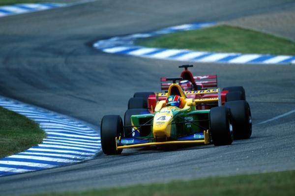 Third place finisher Ricardo Sperafico (BRA) Petrobras Junior Team had an exciting battle with fifth place finisher Tomas Enge (CZ) Nordic Racing.International Formula 3000 Championship Rd 9, Hockenheim, Germany, 28 July 2001.BEST IMAGE