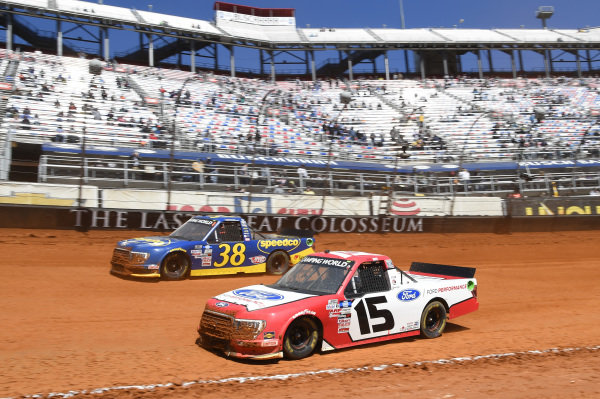 #15: Tanner Gray, Team DGR, Ford F-150 Ford Performance, #38: Todd Gilliland, Front Row Motorsports, Ford F-150 Speedco