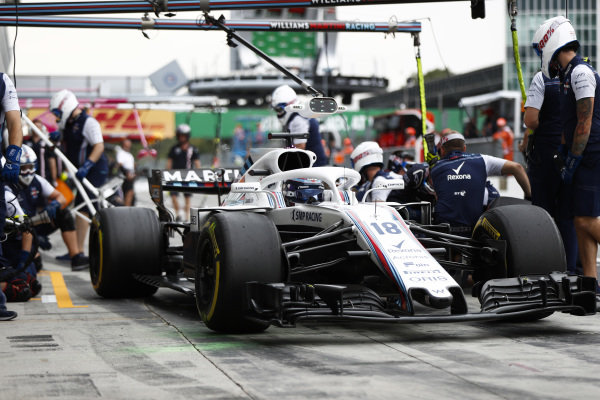 Lance Stroll, Williams FW41 Mercedes, pits.