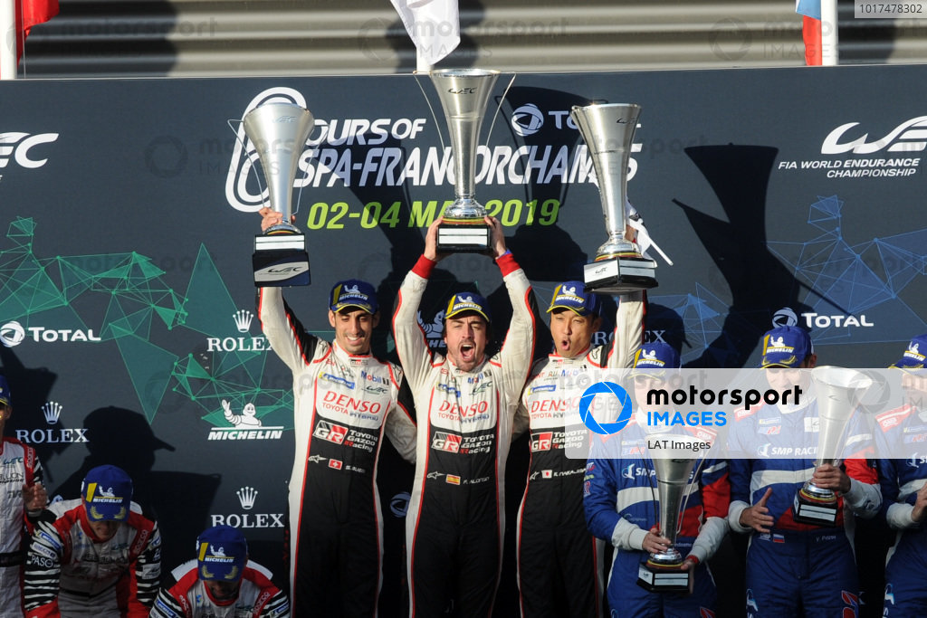 P1 Podium, #8 Toyota Gazoo Racing Toyota TS050: Sébastien Buemi, Kazuki Nakajima, Fernando Alonso