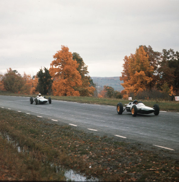 Watkins Glen, New York, USA.5-7 October 1962.Jim Clark (Lotus 25 Climax) leads Bob Schroeder (Lotus 24 Climax). They finished in 1st and 10th positions respectively.Ref-3/0689.World Copyright - LAT Photographic