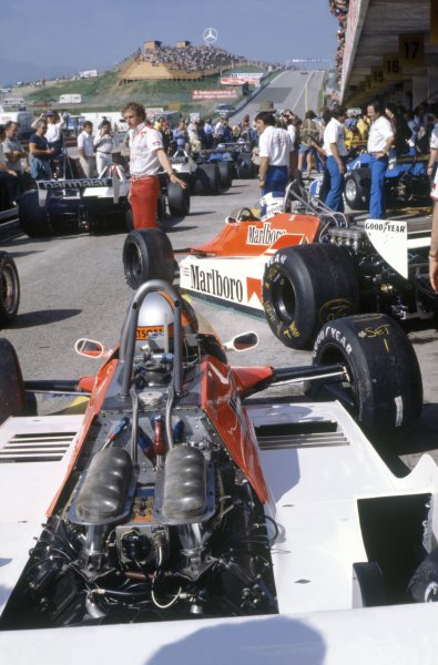 1980 Austrian Grand Prix.Osterreichring, Austria. 15-17 August 1980.Alain Prost and John Watson (both McLaren M29C-Ford Cosworth) in the pits during practice.World Copyright: LAT PhotographicRef: 35mm transparency 80AUT14