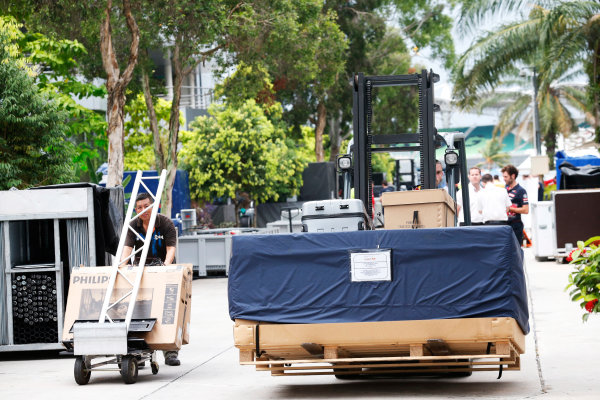 Sepang International Circuit, Sepang, Kuala Lumpur, Malaysia. Sunday 29 March 2015. The teams pack up their equipment after the race. World Copyright: Alastair Staley/LAT Photographic. ref: Digital Image _R6T6526
