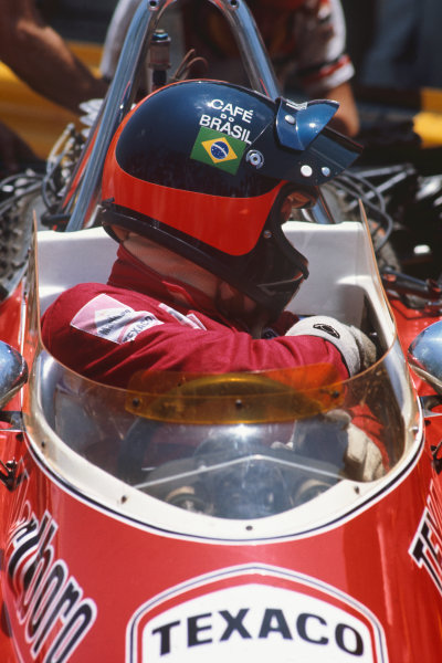 1974 Brazilian Grand Prix  Interlagos, Sao Paulo, Brazil. 25-27th January 1974.  Emerson Fittipaldi, McLaren M23 Ford, 1st position.  Ref: 74BRA05. World Copyright: LAT Photographic
