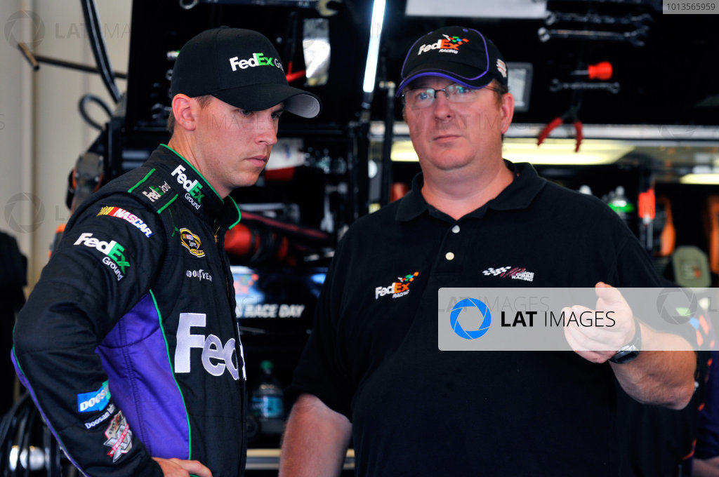 7-9 July, 2011, Sparta, Kentucky USADenny Hamlin, FedEx Ground Toyota Camry and Mike Ford(c)2011, LAT SouthLAT Photo USA