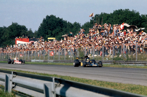 Monza, Italy. 6-8 September 1974. Ronnie Peterson (Lotus 72E Ford) 1st position, action.   World Copyright: LAT Photographic. Ref: 74ITA