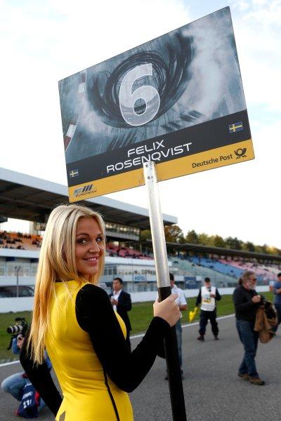 Gridgirl of Felix Rosenqvist (SWE) KFZTEILE24 MÜCKE MOTORSPORT Dallara F312 Mercedes
