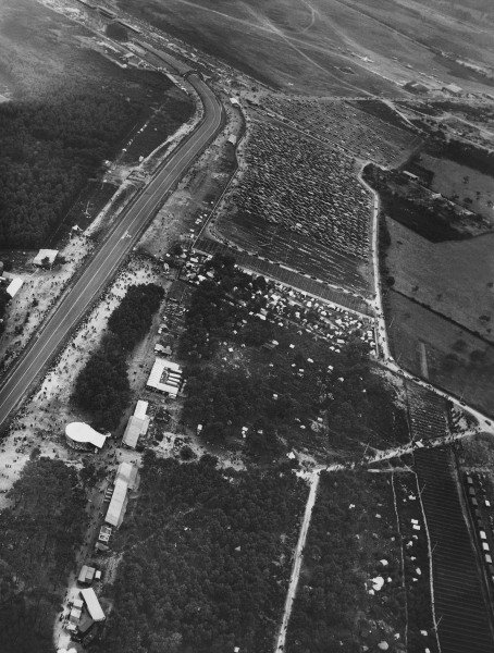 Le Mans, France. 14th - 15th June 1952.The Dunlop bridge from the air, atmosphere.World Copyright: LAT Photographic.Ref: Autocar Used Pic 20th June 1952 Pg 758.