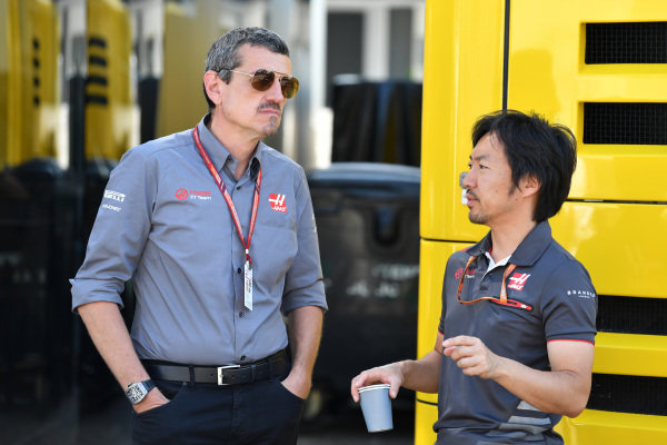 Guenther Steiner (ITA) Haas F1 Team Principal and Ayao Komatsu (JPN) Haas F1 Engineer