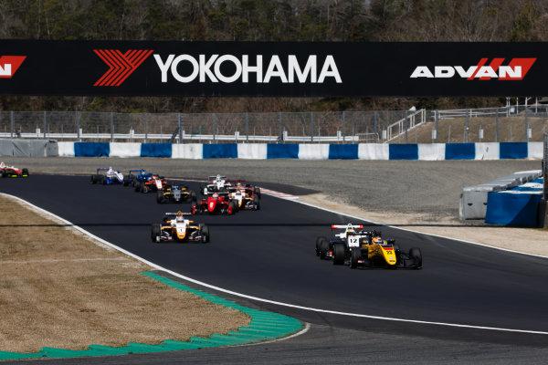 2017 Japanese Formula 3 Championship. Okayama, Japan. 1st - 2nd April 2017. Rd 1, 2 & 3. Rd.2 Start of the race, action World Copyright: Masaaki Kitagawa / LAT Images. Ref: 2017JF3_Rd1_3_006
