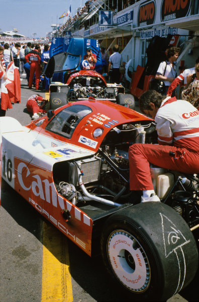 Le Mans, France. 16th -17th  June 1984.Richard Lloyd/Nick Mason/Rene Metge (Porsche 956), retired, in the pits before the race, action. World Copyright: LAT Photographic.Ref:  84LM