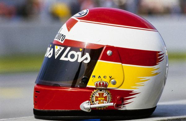 Adrián Campos's helmet.