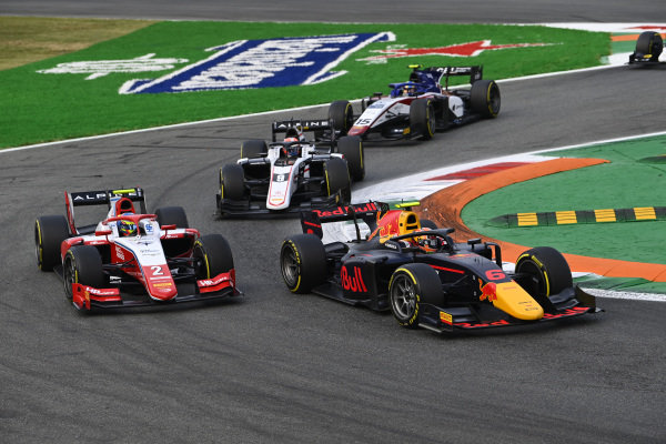 Jehan Daruvala (IND, Carlin), leads Oscar Piastri (AUS, Prema Racing), Christian Lundgaard (DNK, ART Grand Prix), and Guilherme Samaia (BRA, Charouz Racing System)