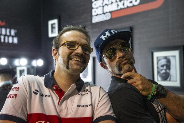 Kyle Railton, COACH MO and Alfa Romeo Sauber F1 Team at the Movember Barber shop