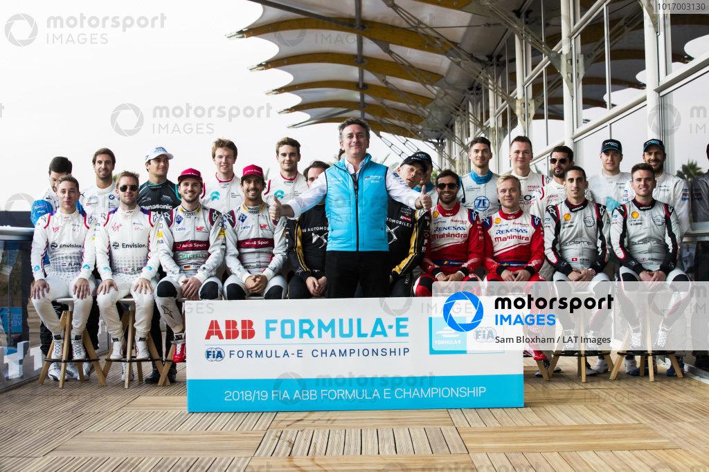 Alejandro Agag, CEO, Formula E with the 2018/19 season drivers